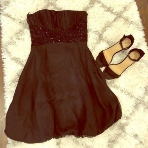 Dresses & Skirts - Black Strapless Beaded Dress